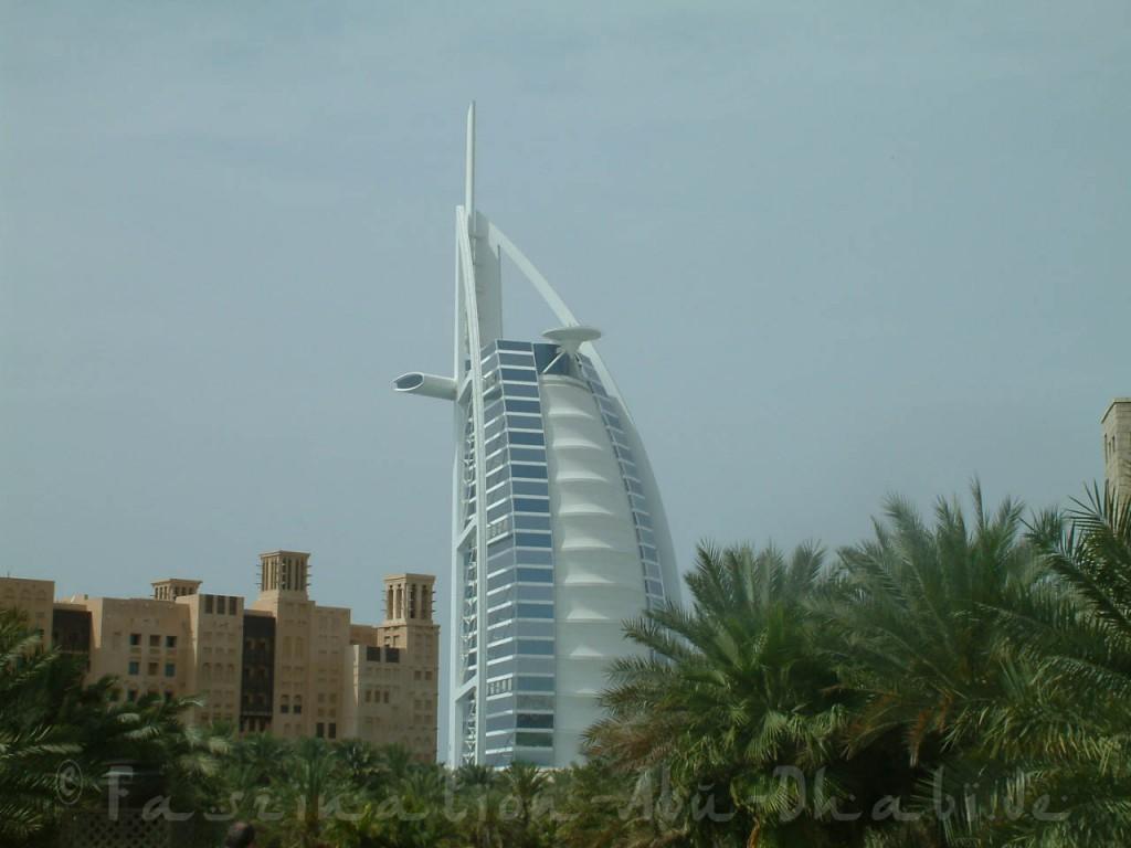 Dubai hat mehr als nur ein Wahrzeichen - schaut sie Euch live an!