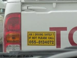Europäische Autofahrer sollten in den Emiraten vorausschauend und defensiv fahren.