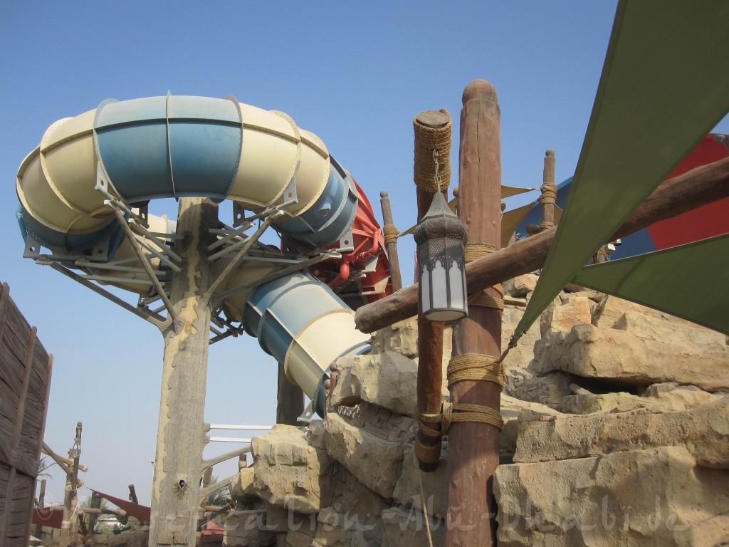 Viele Überrschungen erwarten die Badegäste im Inneren diverser Rutschen des Waterparks